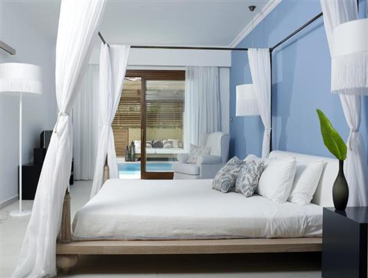 Suite with Private Pool (River Passage)