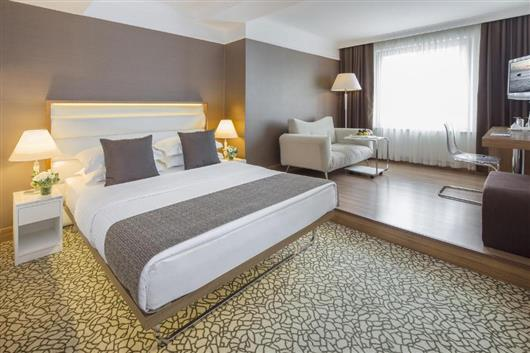 Executive Room with Istiklal Street View