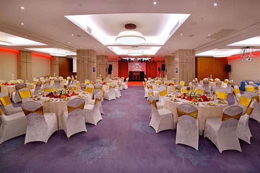 Dosso Dossi Ballroom