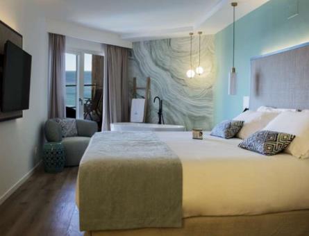 Junior Suite with Sea Views and Sanarium Spa