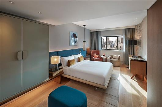 Deluxe Boulevard Room
