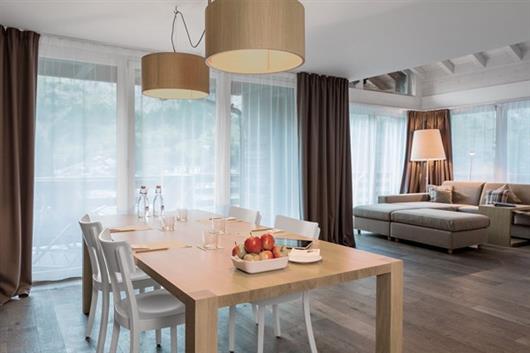 Panoramic Living Suite