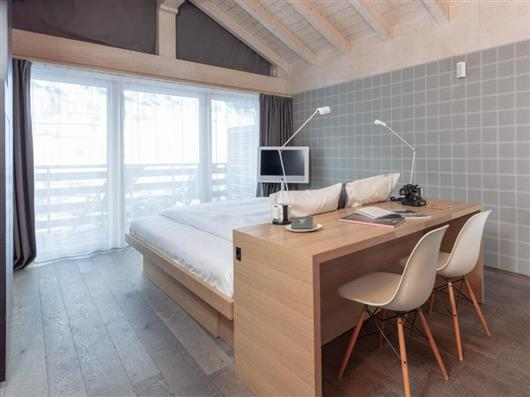 Contemporary Deluxe Room