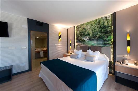Premium Suite with Hot Tub