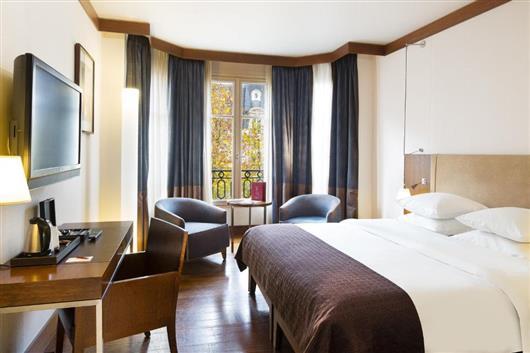 Premium Room with Arc de Triomphe View