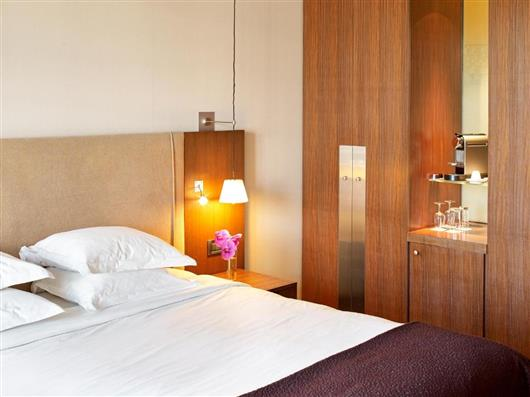 Premium Room with Balcony and Arc de Triomphe View