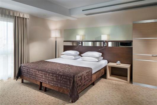 Queen Double Room