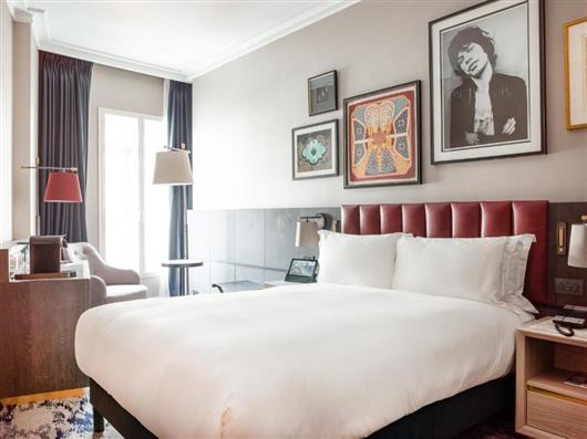 Trafalgar Queen Room