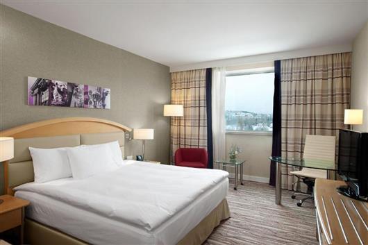 King Hilton Room
