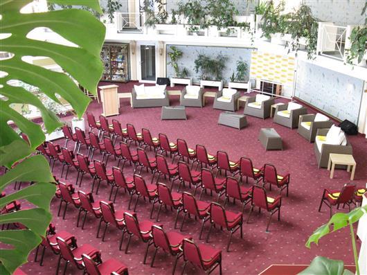 Atrium und Foyer