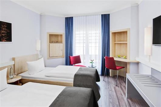 Business Plus Double Room - Public Transport Ticket Included