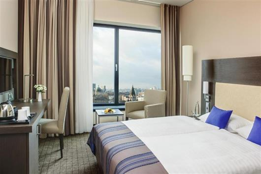 Business Double Room - Public Transport Ticket Included