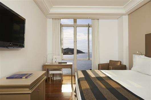 Deluxe Room with Sea View and Promenade View