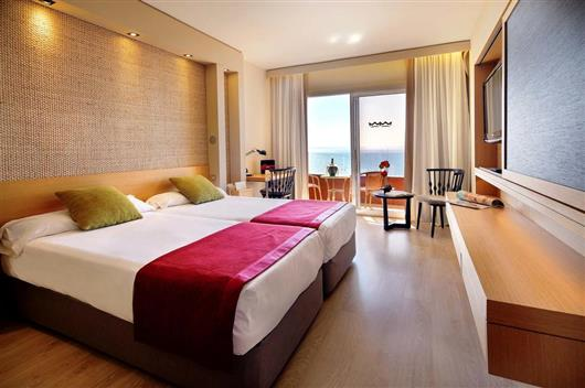 Double Room with Sea View & Spa Access (2 Adults + 1 Child)