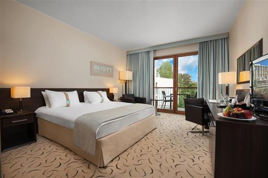 Executive room with king-size bed