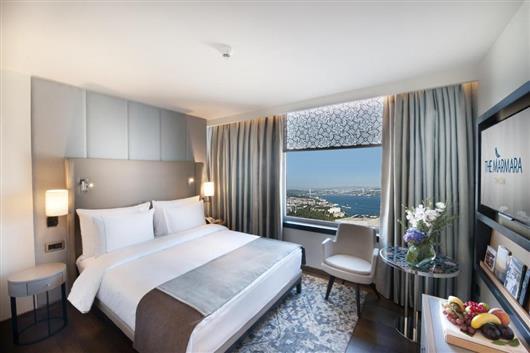 Corner Double Room with Bosphorus View