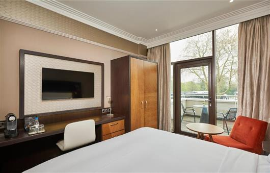Deluxe King Room with Balcony