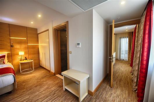 Family Suite with En suite Bathroom