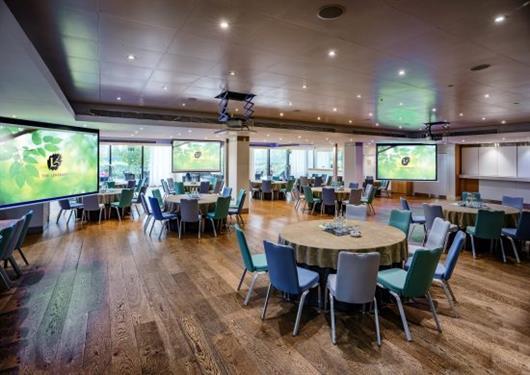 Thames View Suite