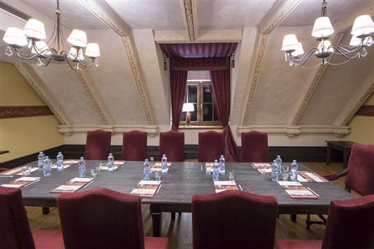 Restaurant+Patio+Rooms A+B+C+D+Vestibule