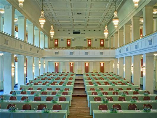 Kaiserbädersaal mit Empore