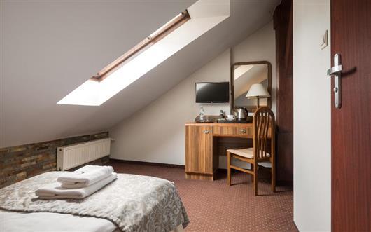 A small single room