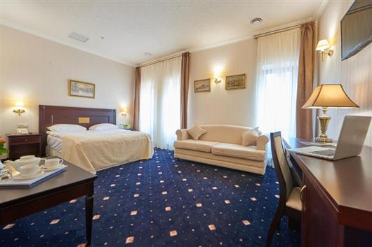 Comfort Double and 1 Sofa Bed Room with free SPA access