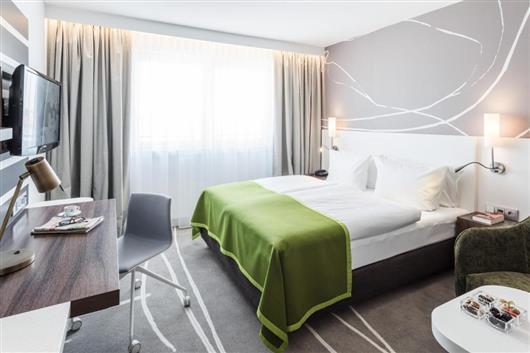 Executive Queen Bed Room