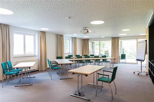 Seminar Room Big