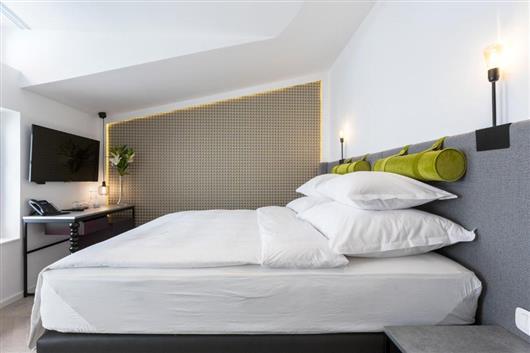 Petite Maison Deluxe Double Room