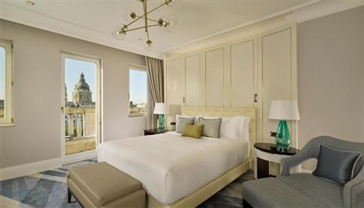 Palace Suite, 1 Bedroom Suite, 1 King, Sofa Bed, Balcony, High Floor, City or Panoramic view