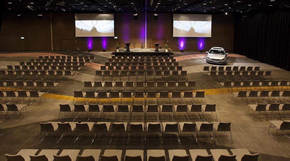 clarion-hotel-arlanda-conference-car-2-screens