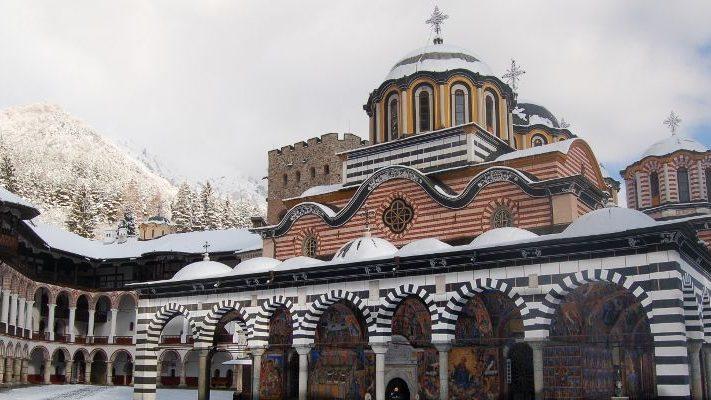Winter-Rila-Monastery-711x400