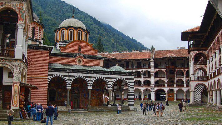 Rila-Monastery-courtyard-711x400