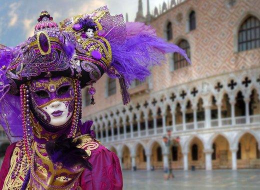 Venice invites to the carnival in February