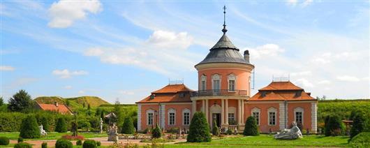 Castles of Ukraine: top-8 best places